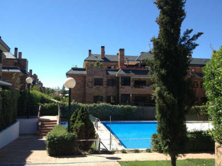Ber 0160 venta de piso en las rozas punta galea for Alquiler de bajos con jardin en las rozas